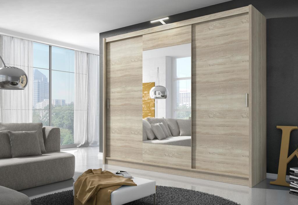 garderobe med speil til stue